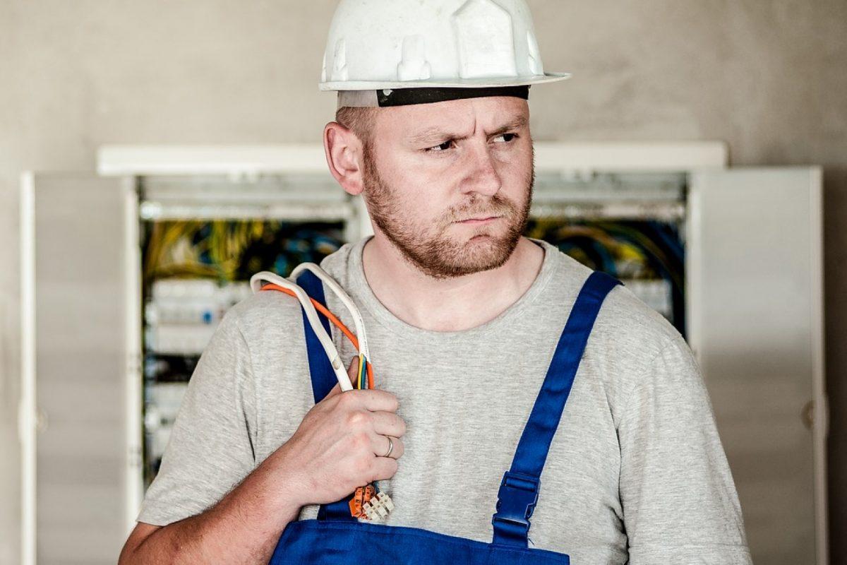 Urgence électricité : comment éviter les arnaques ?