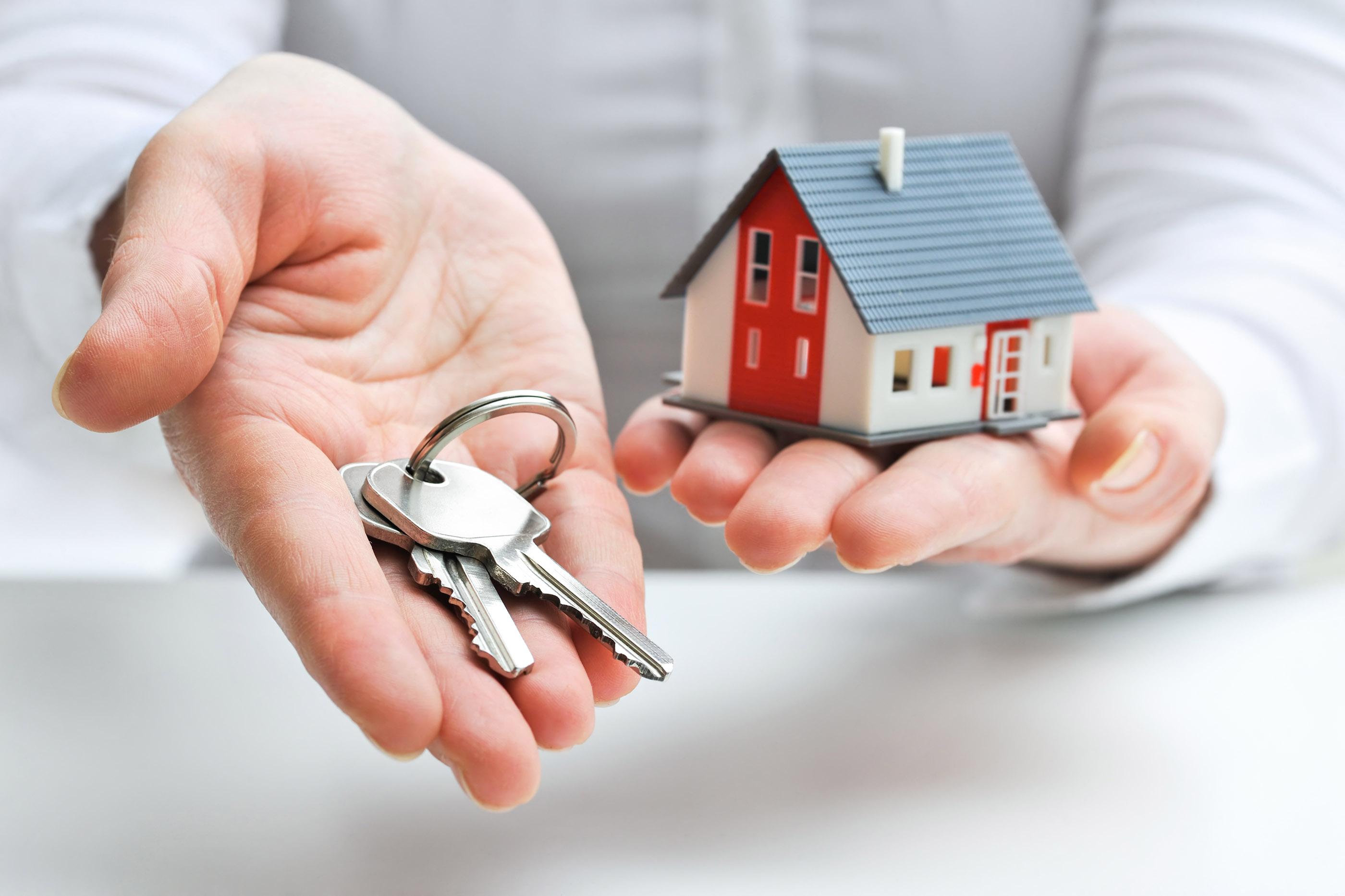 Contacter une agence immobilière pour vendre une maison