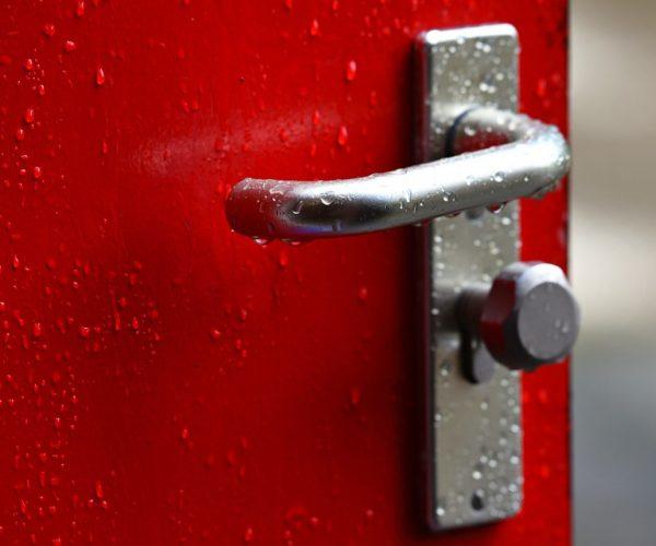 Porte d'entrée : pourquoi faire le choix de l'aluminium