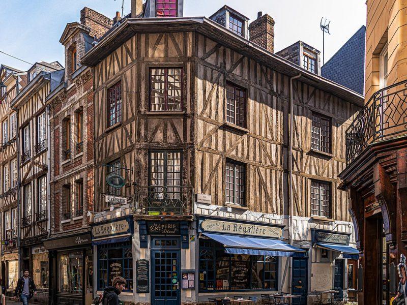 Pourquoi investir dans l'immobilier professionnel à Rouen ?