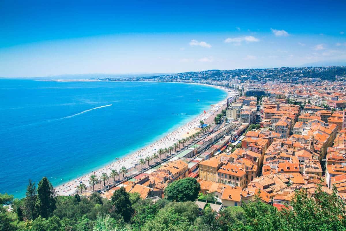 Nice : pourquoi investir dans une villa de luxe ?